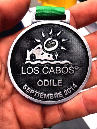 Medal received by the community of Los Cabos