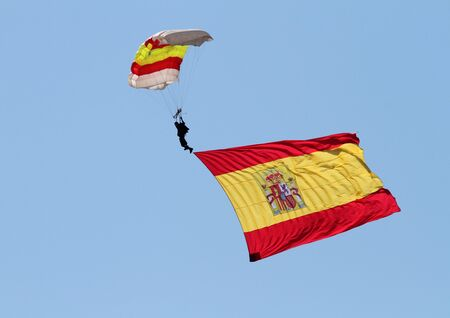 paratrooper: Paratrooper Spanish air force Editorial