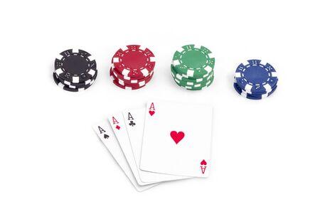 jetons poker: jetons de poker et de cartes isol� Banque d'images