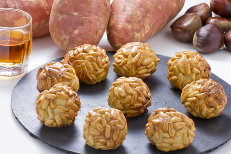 panellets: Panellets, chesnut, sweet potatoes and moscatell, are traditional desserts of All Saints holiday  known as Castanyada in Catalonia, Spain