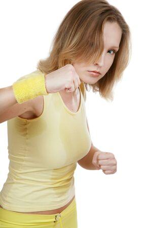 sudoroso: Deportivo agresivo chica rubia en amarillo conjuntos de capacitaci�n de fitness tae-bo
