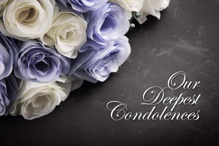 Een sympathieke condoleance kaart ontwerp voor iemand die rouwt om de dood van de geliefde Stockfoto