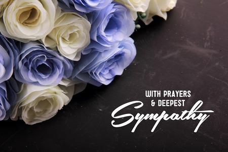 Con oraciones y condolencia más profunda. Un diseño de letra simpática para alguien en la desesperación Foto de archivo - 50156234