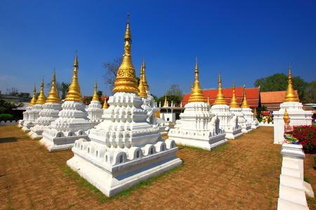 lang:  Chedi Sao lang  temple Lampang, Thailand