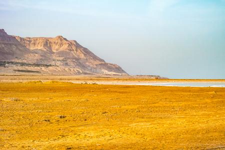 Costa salgado do Mar Morto, Israel. Foto de archivo - 92151687