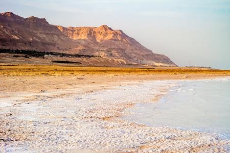 Salty coast of the Dead Sea, Israel. Foto de archivo - 99872788