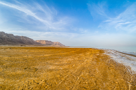 Salty coast of the Dead Sea, Israel. Foto de archivo - 106377121