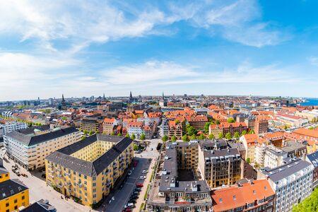 Piękny widok z lotu ptaka Kopenhagi z góry, Dania.