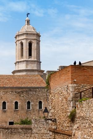 Torre de la catedral g�tica de Girona, vista desde el barrio antiguo, el turismo en Catalu�a, Espa�a