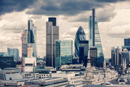 ロンドン市内では、クロス プロセス
