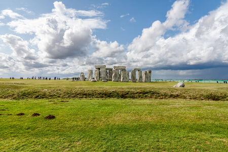 prehistory: Stonehenge - an ancient prehistoric stone monument near Salisbury, Wiltshire, UK