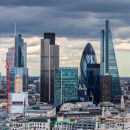 La City de Londres dans l'après midi Banque d'images - 34926953