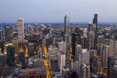Chicago skyline at dusk, aerial view, USA 版權商用圖片