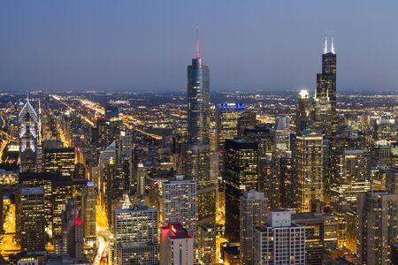 Beautiful aerial view of Chicago skyline at evening, Illinois, USA 版權商用圖片
