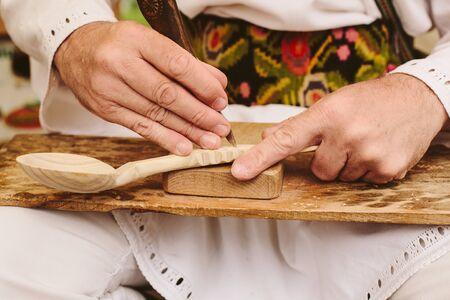 authentinc traditonal wood spoon carving sculpting romanian craftsmen