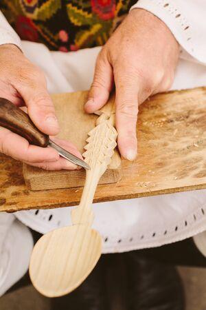 sculpting: authentinc traditonal wood spoon carving sculpting romanian craftsmen