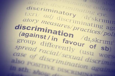 discriminacion: Definición del diccionario de la palabra discriminar. imagen virada Foto de archivo