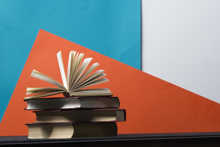 Open book, hardback books on wooden table. Back to school. Copy space 写真素材 - 97961901