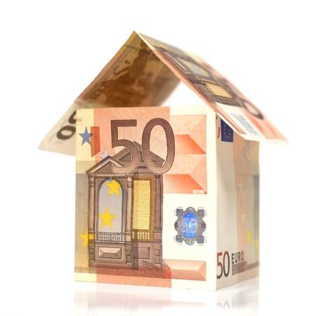 home loans: Casa costruita con 50 Erou banconote Archivio Fotografico