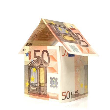 Maison construite en billet de 50 euros Stock Photo
