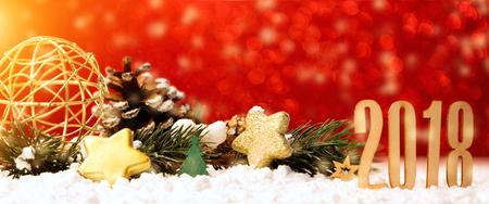 Gezicht op een gelukkig nieuwjaar 2018 achtergrond met kerstversiering Stockfoto