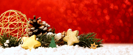 クリスマスボール、ギフトや装飾とクリスマスの背景のビュー