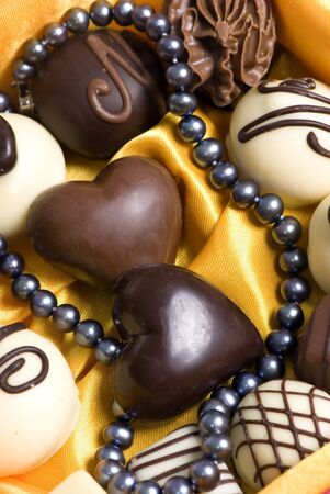 satisfying: A perfect Valentine gift... Pearls and chocolates