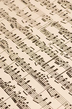 letras musicales: Una muy complicada partitura musical, yellowed ligeramente con la edad