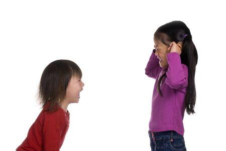 playmates: Hermanita es dejar ir ...... Y la hermana mayor, no quiere escuchar.  Foto de archivo