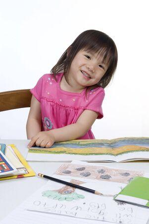 Ein junges Mädchen ist bereit für die Schule. Bildung, Zukunft Standard-Bild - 3482278