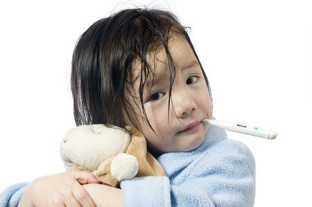 Ein junges Mädchen ist krank und mit ihr die Temperatur. Standard-Bild - 3522955