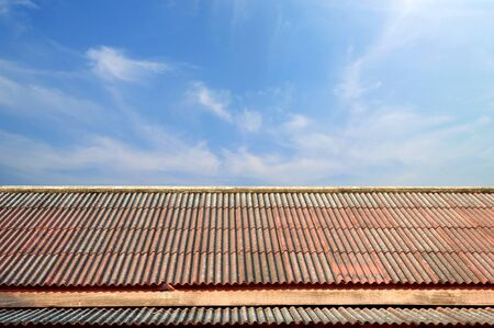 Roof with blue sky,Thailand temple roof, Vintage thai style 版權商用圖片 - 54063086