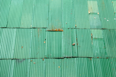 Green zinc sheet roof 版權商用圖片 - 90517799