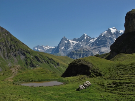 bernese oberland: Mountains In The Bernese Oberland