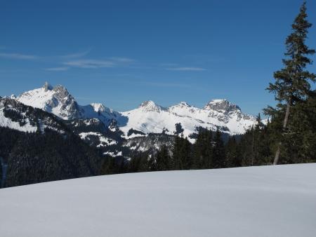 canton berne: Winter Scene In The Bernese Oberland