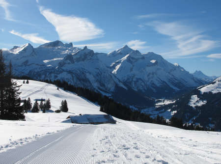 bernese oberland: Beautiful Sledging Path In The Bernese Oberland Stock Photo