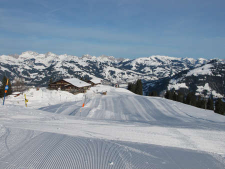 gstaad: Early Morning On The Wispile, Ski Lift In Gstaad Stock Photo