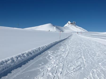 station ski: Summit Station, ski slope on the Glacier de Diablerets