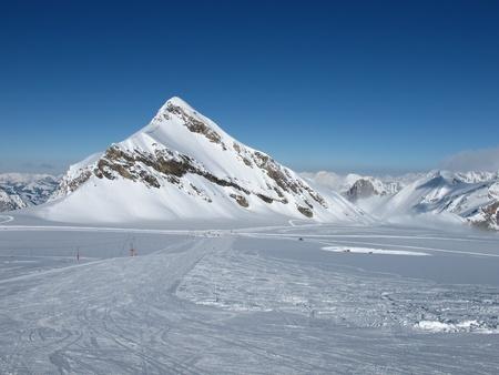saanenland: Ski slopes and Oldenhorn, Glacier de Diablerets
