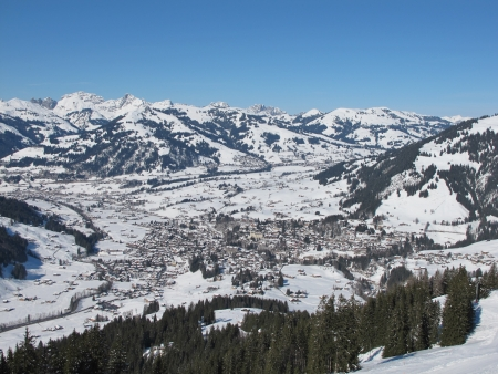 gstaad: Winter image of Gstaad
