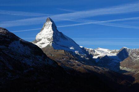 snow capped: Nevadas Matterhorn en la madrugada Foto de archivo