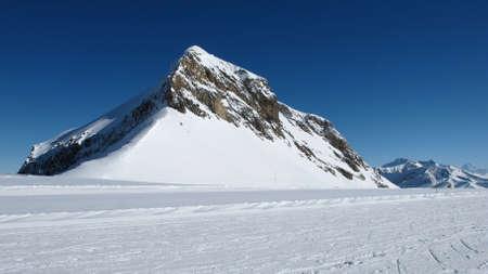 saanenland: Oldenhorn and ski slope
