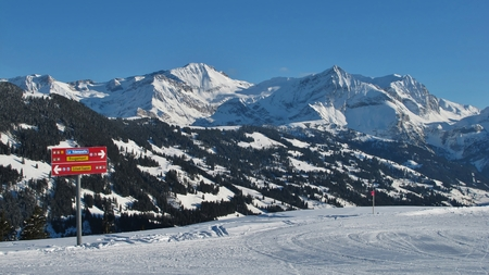 gstaad: View from the Eggli ski area, Gstaad Stock Photo