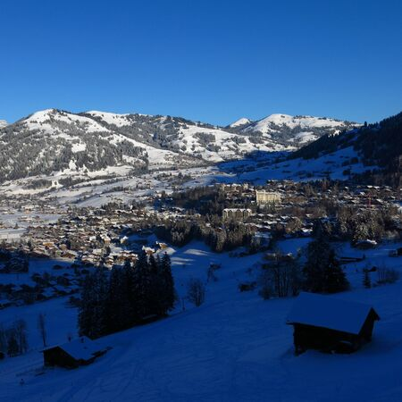 gstaad: Winter morning in Gstaad