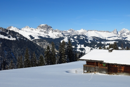 saanenland: Winter scene on the Wispile, place near Gstaad Stock Photo