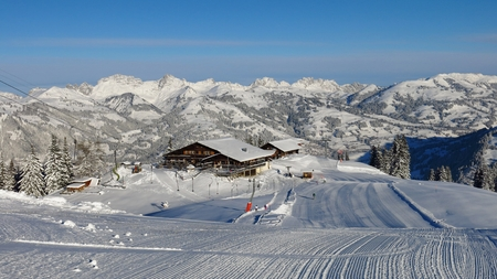 saanenland: Early morning on top of the Wispile, ski area in Gstaad Stock Photo
