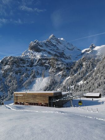 glarus: Cable car station in Braunwald and Ortstock Stock Photo