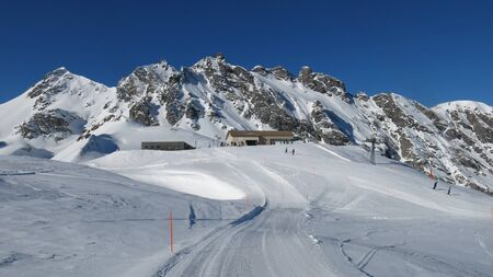 sargans: Summit station of the Pizol chair lift, ski slope and mountains