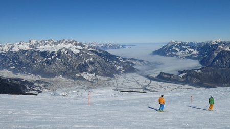 sargans: Scene in the ski area Pizol, view of Sargans, Alvier and the Drei Schwestern Stock Photo