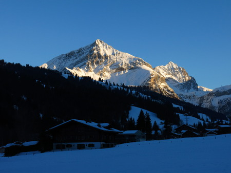 saanenland: Spitzhorn at sunset